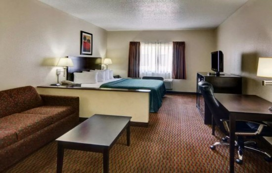 Welcome To Quality Inn Wichita Falls - King Suite