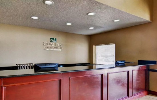 Welcome To Quality Inn Wichita Falls - Front Desk