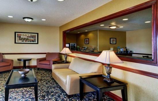 Welcome To Quality Inn Wichita Falls - Lobby Seating